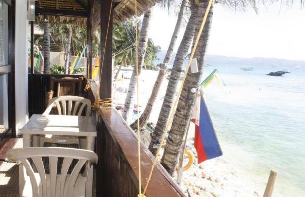 фото отеля The Beach House Boracay изображение №37