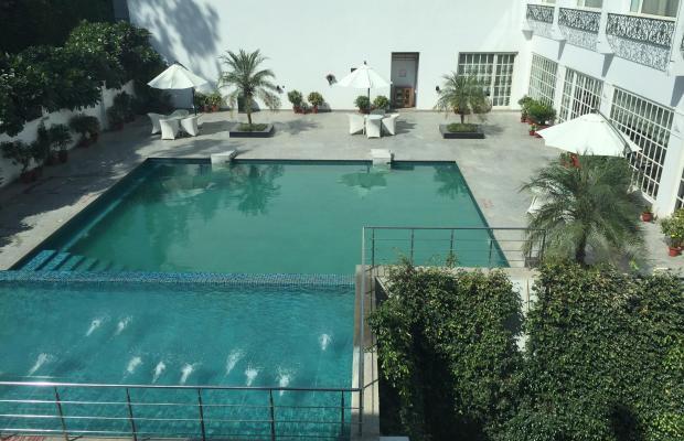 фото отеля Country Inn & Suites By Carlson Delhi Satbari изображение №1
