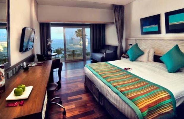 фото отеля Crowne Plaza Limassol изображение №17