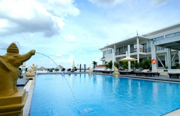 фото отеля Cambodiana Hotel изображение №1