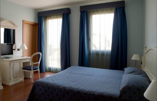 фотографии International Hotel изображение №32