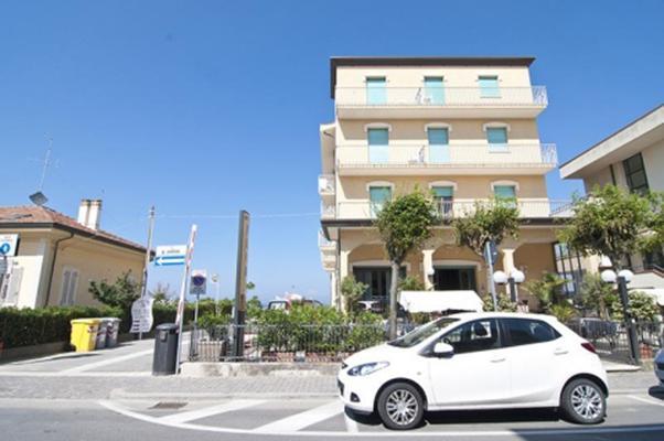 фото отеля Flora Rimini изображение №5
