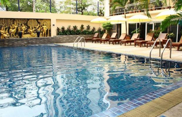 фото отеля First Hotel Bangkok изображение №5