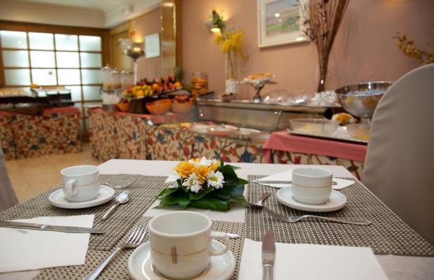 фотографии отеля Gran Versalles изображение №23