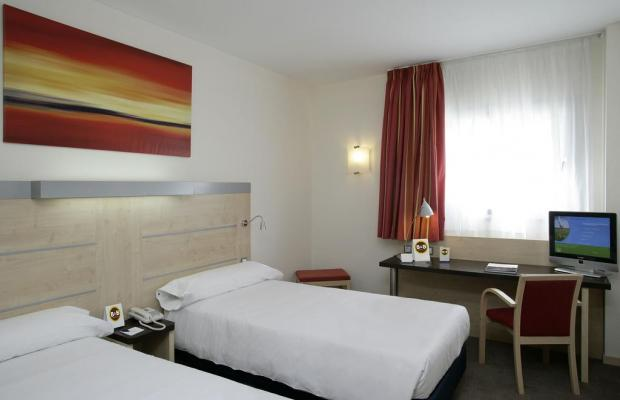 фото отеля B&B Hotel Madrid (ex. Holiday Inn Express Madrid-Airport) изображение №17