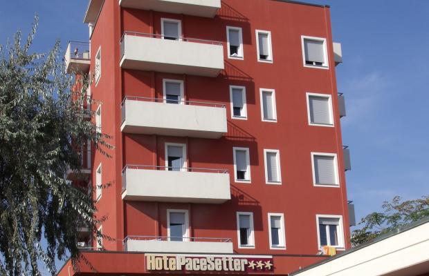 фото отеля Pacesetter изображение №1