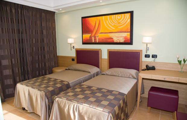 фото Artemis Hotel изображение №14