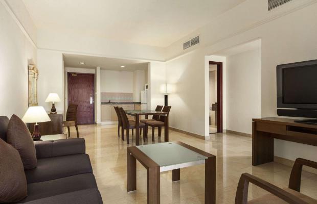 фото Ramada Beach Hotel (ex. Landmark Suites Ajman; Coral Suites) изображение №6