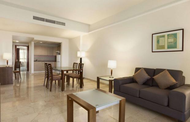 фото Ramada Beach Hotel (ex. Landmark Suites Ajman; Coral Suites) изображение №2
