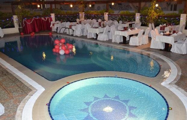 фото Summit Hotel (ex. Hallmark Hotel; Commodore; Le Baron) изображение №10