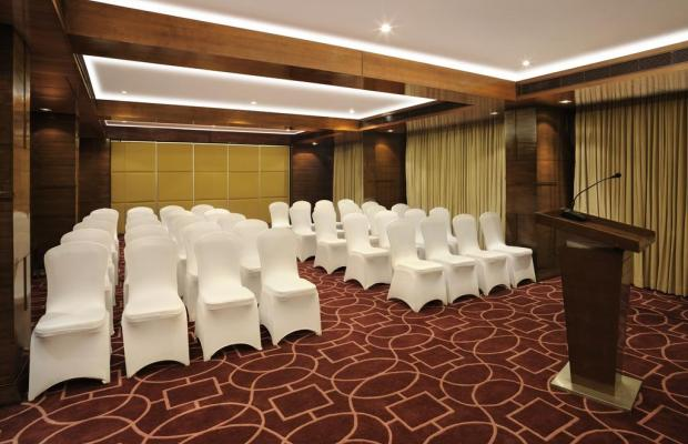 фотографии Four Points by Sheraton Ahmedabad (ex. Royal Orchid Central) изображение №12