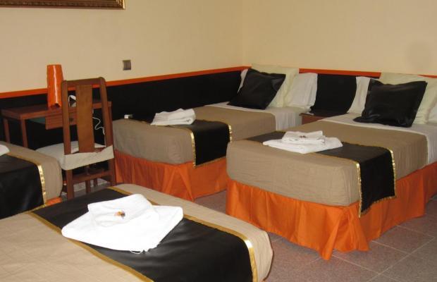 фотографии отеля Hostal Chelo изображение №3