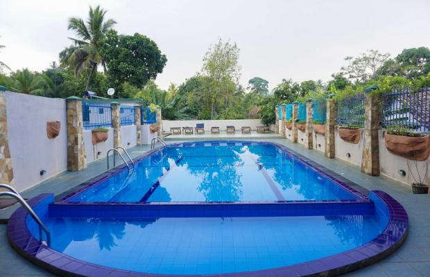 фото отеля Lavendish Beach Resort (ех. Comaran Beach Hotel) изображение №1