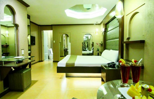 фото отеля Victoria Court Cuneta изображение №5