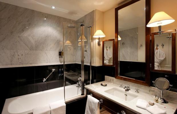 фотографии отеля La Tremoille изображение №63